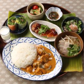 新ランチ!健康を考えた本格的アジアンバランス定食が新登場!